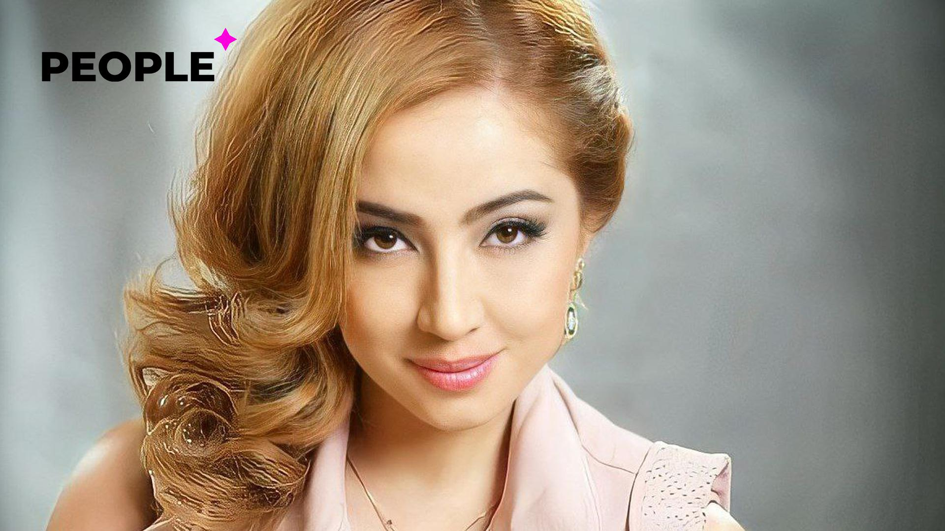 Фанатка напала на певицу Севинч во время её концерта в Таджикистане – видео