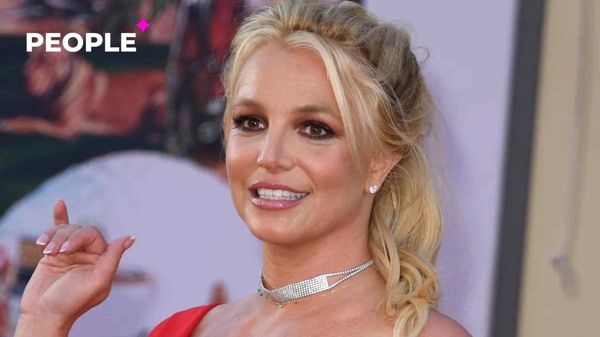 Бритни Спирс шокировала общественность рассказом о жестоких издевательствах отца и запретом на рождение ребёнка