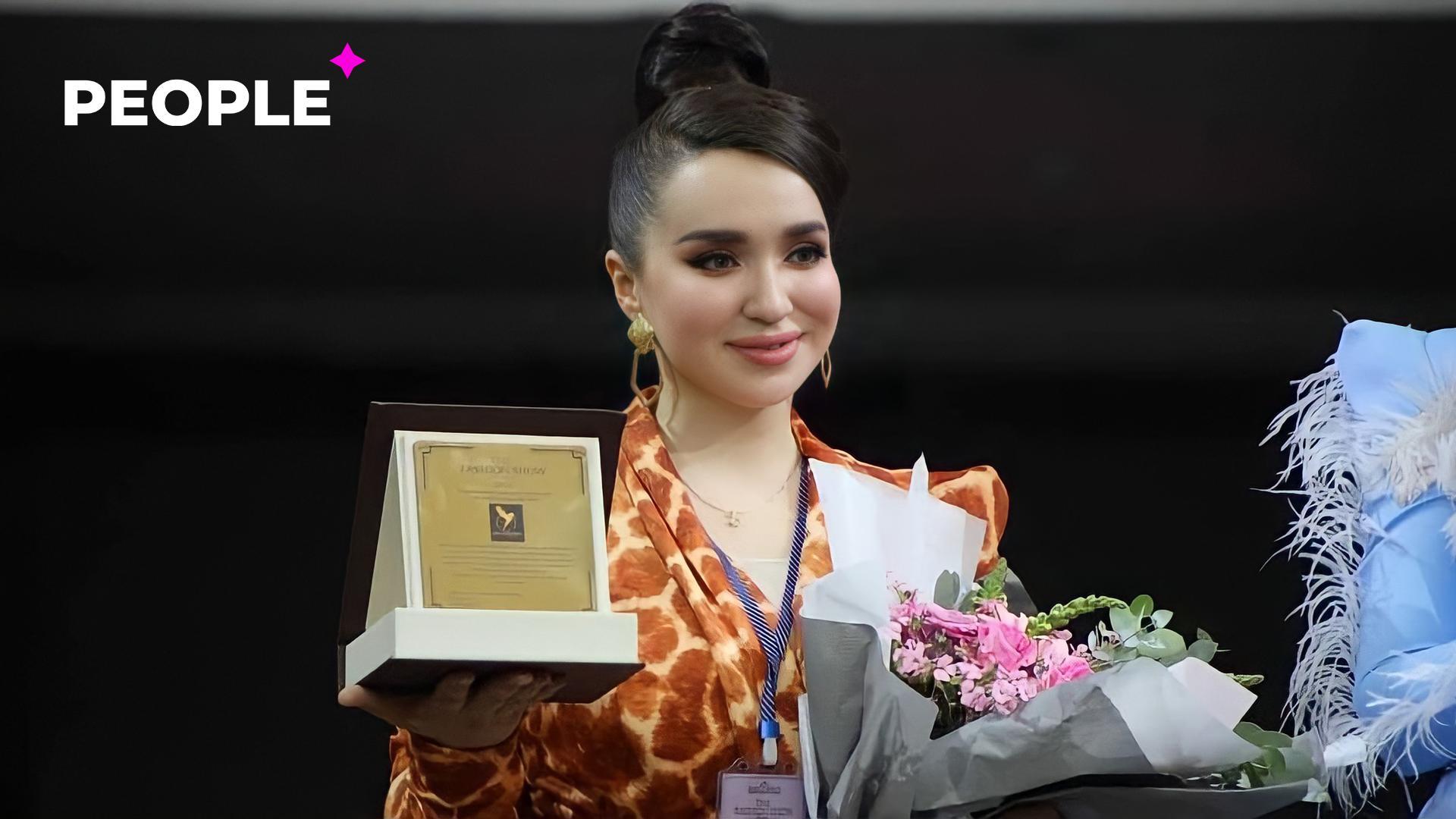 Актриса Шахзода Мухаммедова провела модный показ вместе с дочерью