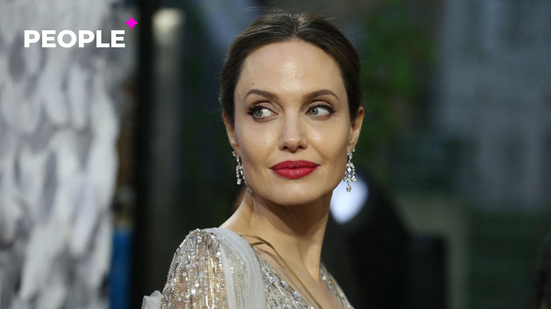 Анджелина Джоли познакомила сына с бывшим мужем и подогрела слухи о тайном романе