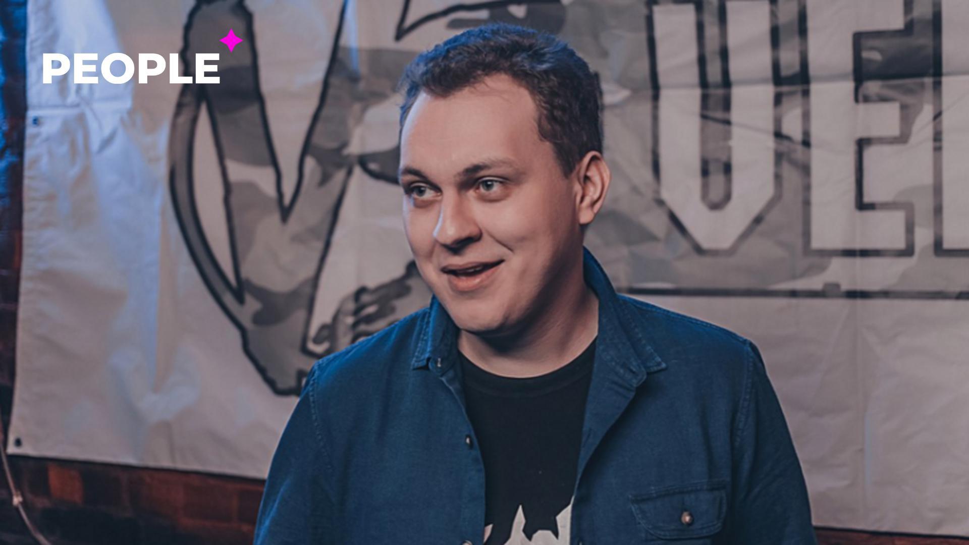 Блогер Юрий Хованский извинился за песню, из-за которой был задержан в собственном доме