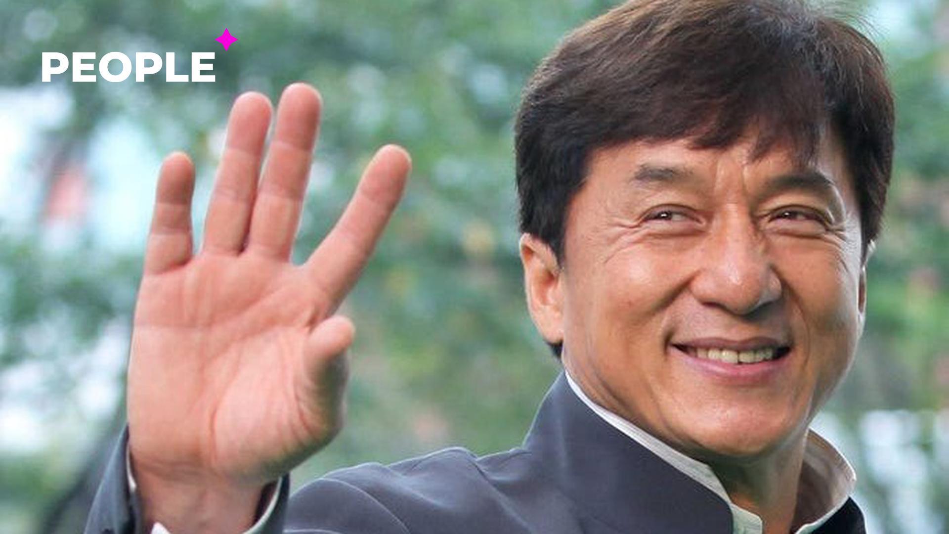 В Сети появились слухи о том, что Джеки Чан прибыл в Узбекистан