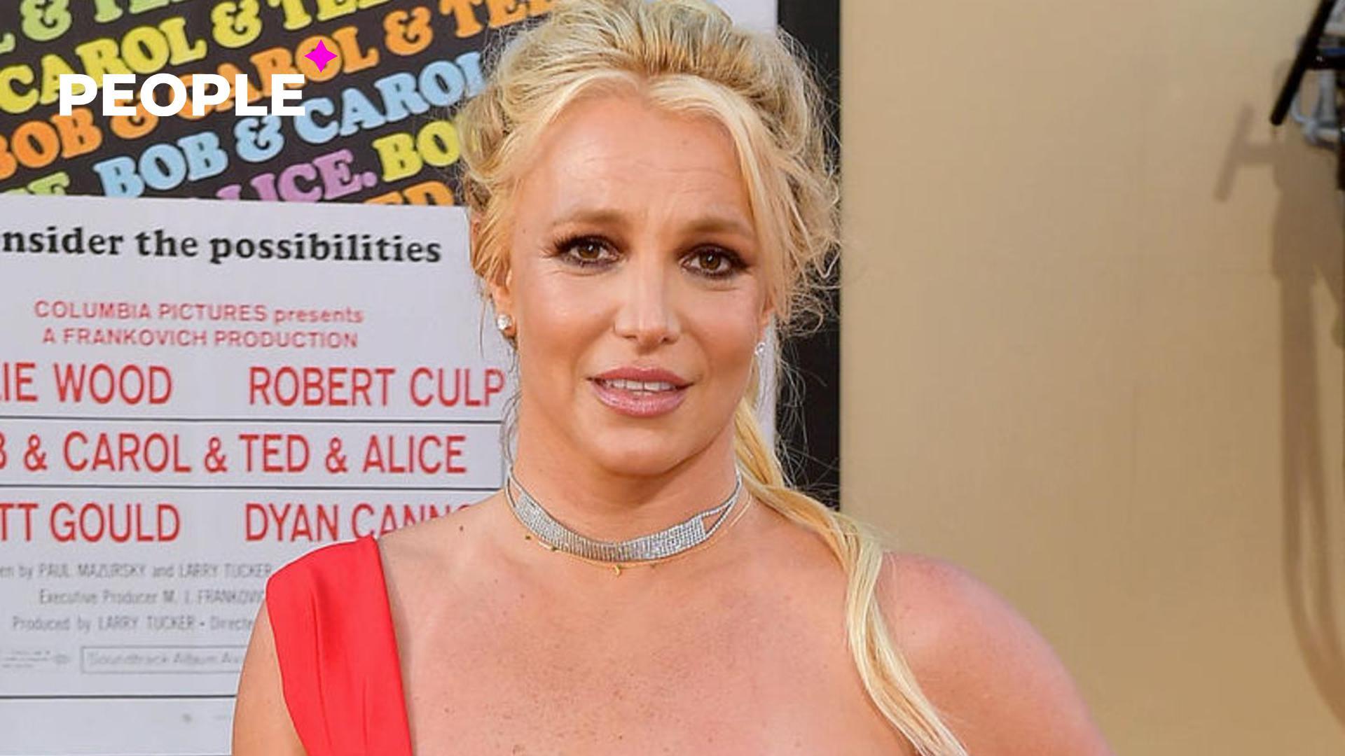 Отец Бритни Спирс хочет отсудить у певицы два миллиона долларов за отказ от опекунства