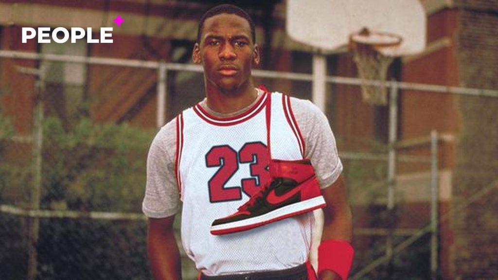 Кроссовки легендарного баскетболиста Майкла Джордана продали за рекордные 1,47 миллиона долларов — фото